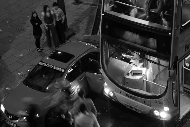 Bus vs taxi