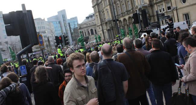 EDL crowd