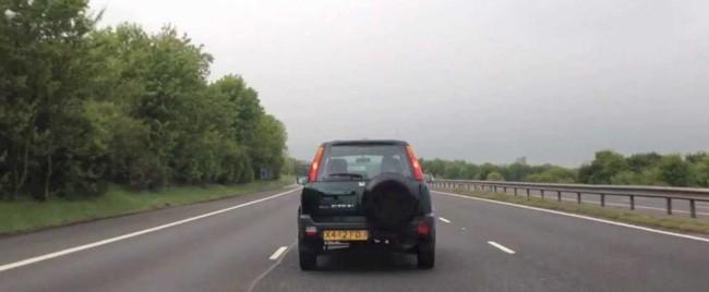 middle-lane-driver