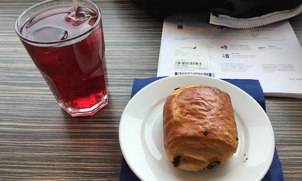 lounge-breakfast